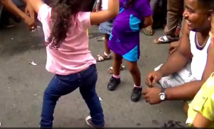 Bailes de nenas - 3 part 1