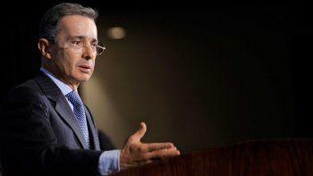 Por presión de Santos para que lo extraditen a Colombia Andrés Arias fue puesto preso en Estados Unidos, afirmó Uribe en su cuenta de Twitter