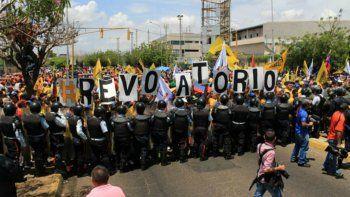 La gran marcha convocada por la oposición venezolana para el primero de septiembre continúa ganando adeptos de todo tipo y en diferentes estados del país suramericano