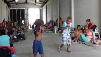 La mayoría de los detenidos en el operativo viven en los alrededores de la bodega que sirvió de improvisado albergue durante cuatro meses a emigrantes cubanos que estuvieron varados en Turbo