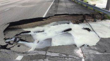 Emergencia obliga cierre de carriles en sentido sur del Turnpike en Miami