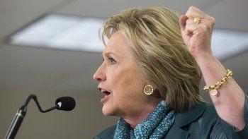 Hillary Clinton habla en Seattle el 22 de marzo de 2016.
