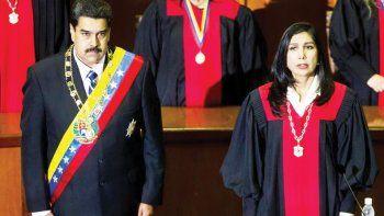 Gladys Gutiérrez, presidenta del Tribunal Supremo de Justicia, y Nicolás Maduro.