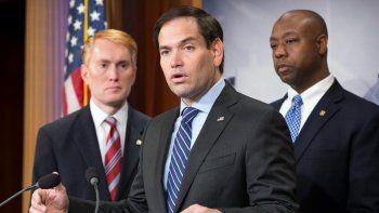 Rubio instó a Obama a vetar la concesión de visados y congelar activos en Estados Unidos de Tibisay Lucena, por abuso de los derechos humanos