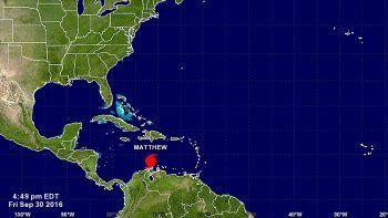 Los meteorólogos estadounidenses consideran que esta noche Mathew podría fortalecerse aún más y que podría haber fluctuaciones de intensidad este fin de semana