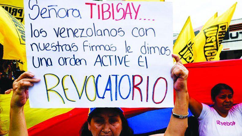 El referendo revocatorio es la salida constitucional y electoral que ha planteado la oposición a la crisis venezolana