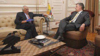 Juan Manuel Santos recibe en Casa de Nariño a Ernesto Samper el 19OCT16.