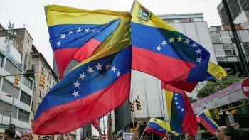 Zapatero y Torrijos regresan a Venezuela para mediar diálogo entre Gobierno y oposición