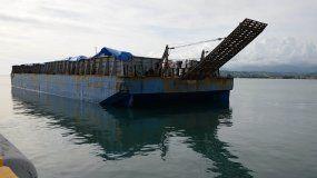 Puerto Rico envía barcaza con ayuda para 500.00 haitianos