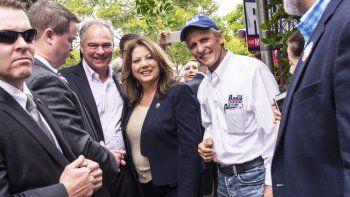 El aspirante a la vicepresidencia de los Estados Unidos, por el partido demócrata, Tim Kaine , estuvo en el inicio del voto anticipado en la ciudad de Doral en Miami-Dade, en el estado de la Florida
