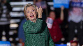 De acuerdo con la sexta entrega de un sondeo de la Asociación Nacional de Funcionarios Electos y Designados (NALEO) y Telemundo, el 74% de los hispanos tiene intención de votar a Clinton