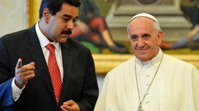 El presidente de Venezuela, Nicolás Maduro, junto a Su Santidad el papa Francisco