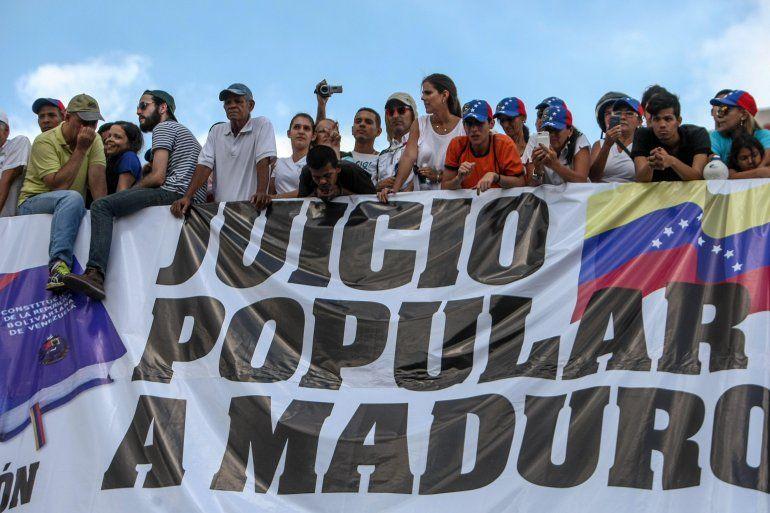 Las 5 razones de la oposición para suspender juicio político a Maduro