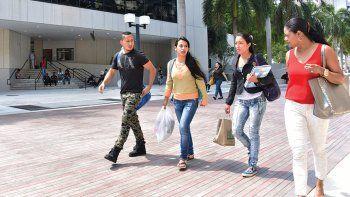 La campaña apunta hacia jóvenes latinos, afroamericanos y haitianos en la Florida. (A. MATA)