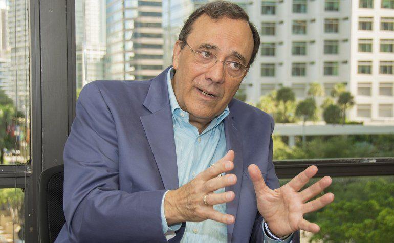El periodista y escritor Carlos Alberto Montaner.