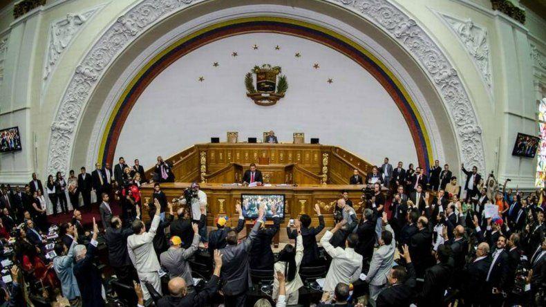 La Asamblea Nacional aprobó un acuerdo para responsabilizar al presidente