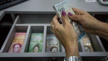 Los billetes los están entregando a los clientes exclusivamente a través de las taquillas.