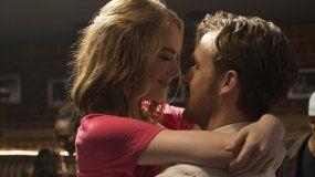Emma Stone y Ryan Gosling en la cinta La La Land.