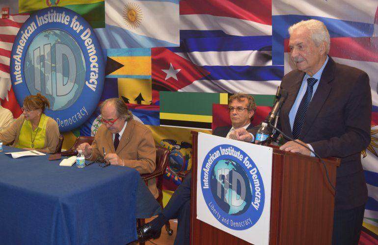 Enrique Colmenares Finol expone el caos de gobernabilidad