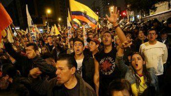 La indefinición motivó exigencias de resultados al Consejo Nacional Electoral (CNE) y desencadenó protestas en varios puntos del país