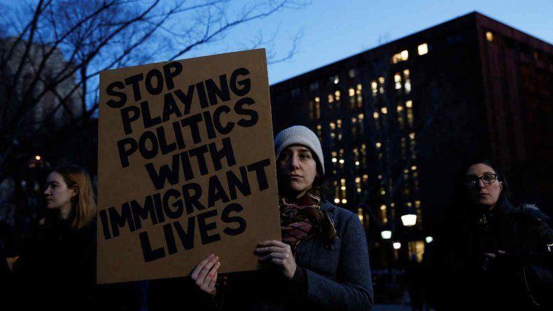 Ahora los jóvenes no serán deportados y van a poder obtener permisos de trabajo y licencia de manejo.