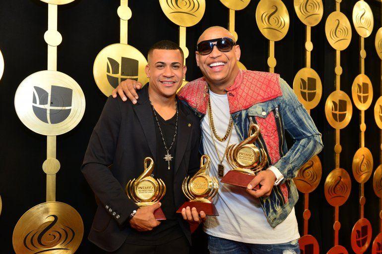 Shakira, Carlos Vives, Gente de Zona y CNCO reinan en los Premios Lo Nuestro