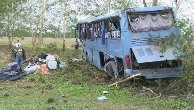 Resultado de imagen para Accidente de un autobús deja 55 heridos en zona oriental de Cuba