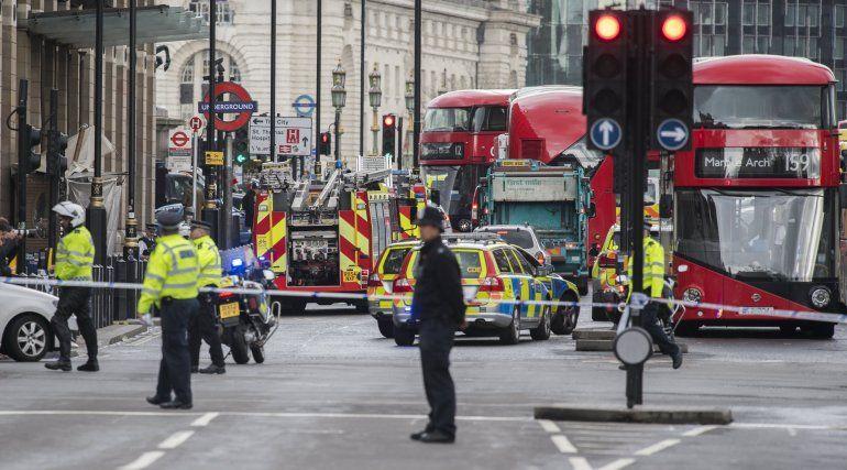 Al menos dos muertos y diez heridos en presunto atentado terrorista en Londres