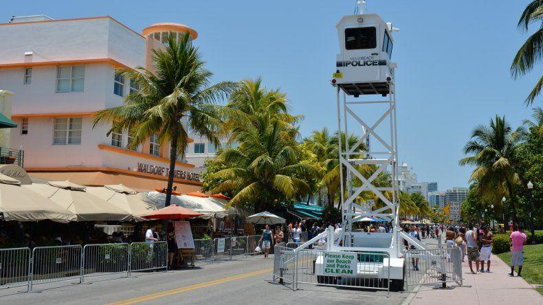 Miami Beach por ahora no tendrá la posibilidad de aumentar el salario mínimo, como querían su Comisión y el alcalde Philip Levine.