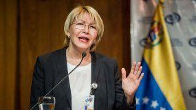 Luisa Ortega, fiscal general de Venezuela, dijo quenadie desea para nuestro país, y menos la que les habla, un escenario de confrontación bélica, una guerra civil y mucho menos una injerencia extranjera.