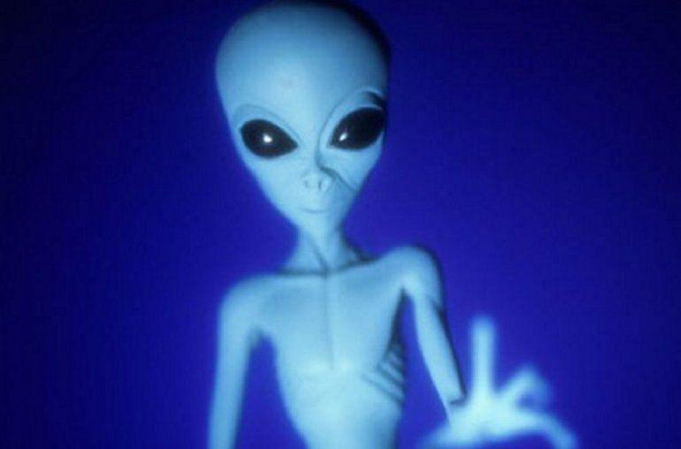 Nueva línea nueva de Trump para denunciar delitos cometidos por extranjeros ilegales se inunda con informes sobre extraterrestres ilegales.