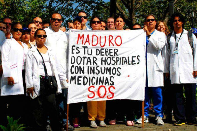Venezuela atraviesa una crisis de escasez y desabastecimiento de medicinas desde hace dos años por lo que el Parlamento, de mayoría opositora, declaró la emergencia humanitaria.