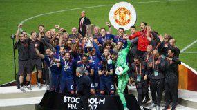 El United viene de coronarse campeón de la Europa League este miércoles.