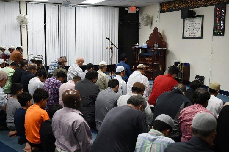 El islam es una religión monoteísta abrahámica cuyo dogma de fe se basa en el libro del Corán.