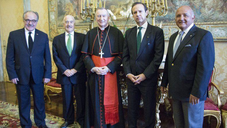 De izquierda a derecha: El director de IDEA, abogado Asdrúbal Aguiar; el expresidente de Colombia, Andrés Pastrana;el Secretario de Estado Vaticano, CardenalPietro Parolin; Jorge Quiroga, expresidente de Bolivia;y Nelson Mezerhane, presidente del Grupo Mezerhane.