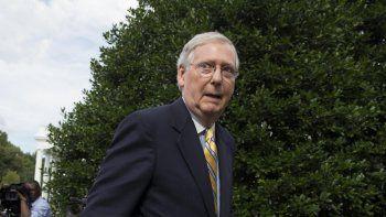 El líder de la mayoría republicana en el Senado,MitchMcConnell, postergó la votación de la reforma sanitaria republicana para reemplazar el actual sistema llamado Obamacare, ya que el proyecto carece de suficiente apoyo para pasar.