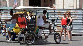 Los bicitaxi son parte de la transportación urbana en muchas ciudades de Cuba.