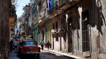 Para la población de la capital cubana cada vez se hace más difícil encontrar un sitio donde vivir debido ala disparidad de los salarios y al alto costo de los inmuebles.