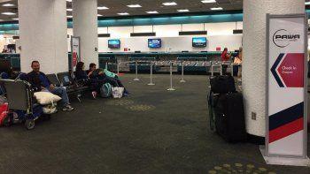 Los venezolanos varados en el aeropuerto de Miami finalmente volarán este martes con destino a Caracas vía Santo Domingo, con la aerolínea dominicana PAWA.