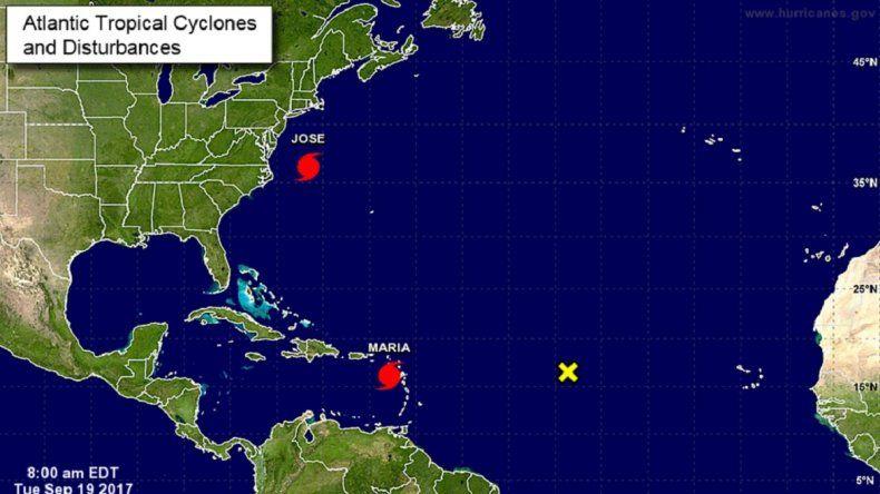 Mapa de ubicación del huracán María y el huracám José .