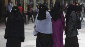 Mujeres en Irán no podrán entrar a los estadios de fútbol.
