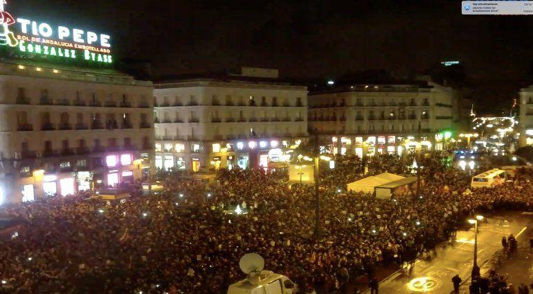 Imagen de la Puerta del Sol colmada en el encuentro que mantuvo Juan Guaidó con la diáspora venezolana.