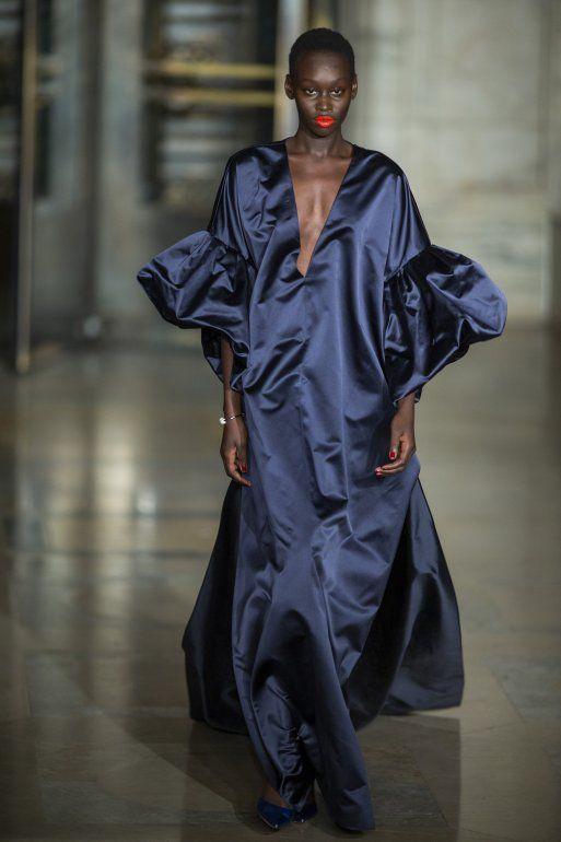 La colección de Oscar de la Renta es presentada durante la Semana de la Moda de Nueva York, el lunes 10 de febrero del 2020.