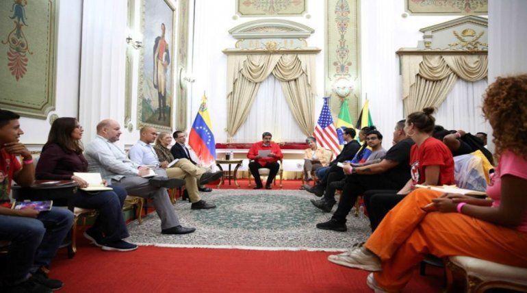 Integrantes de la brigada internacionalista Che Guevara reunidos con el dictador Nicolás Maduro, en febrero de 2020.