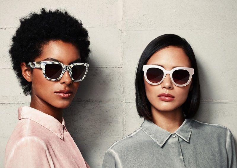 5ac4612efb Las gafas de sol, como estas de Liebeskind, son el último grito de la moda.  (DPA).