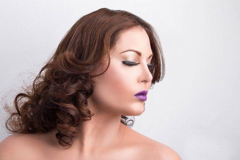 Maquillaje y peinado de fiesta para la mujer plus moda y - Peinados para chicas ...