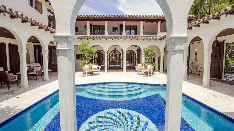 Antigua casa de Iván Rodríguez calienta el mercado de lujo en Miami ...