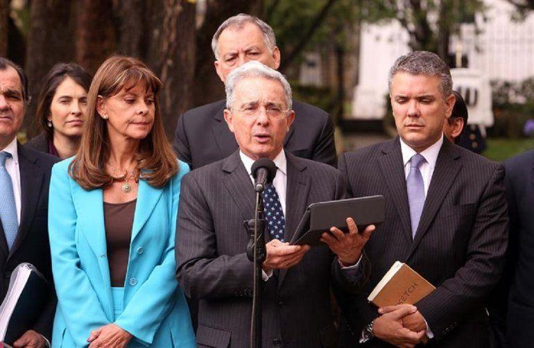 Uribe pide a Santos discutir hasta la última coma del Acuerdo de ...