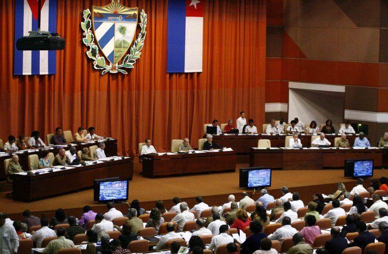 Nueva Constitución cubana establece mandato presidencial de 10 años (diariolasamericas.com)