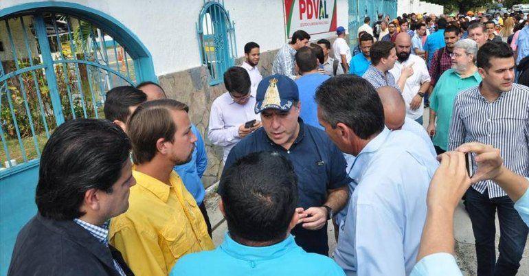Caro fue detenido junto con su compañera este mes y las autoridades lo acusaron de poseer un fusil y explosivos en la preparación de un supuesto atentado